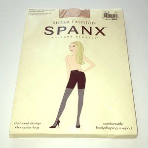 ♦️SPANX Sheer Diamond Patterned Stockings